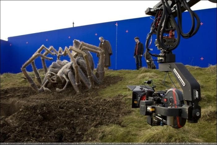 Behind the Scenes of the Famous Movies. Part 3 (87 pics)