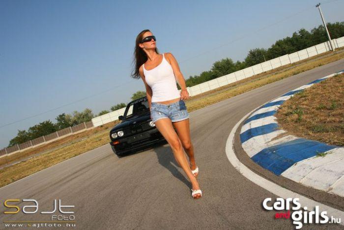 Hungarian Girls and Cars (112 pics)