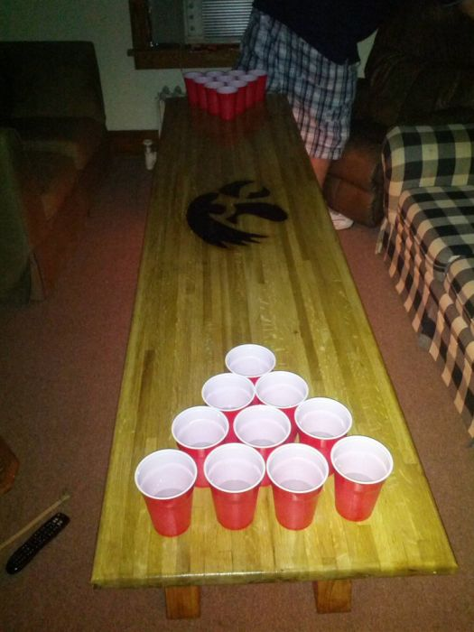 DIY: Beer Pong Table (16 pics)