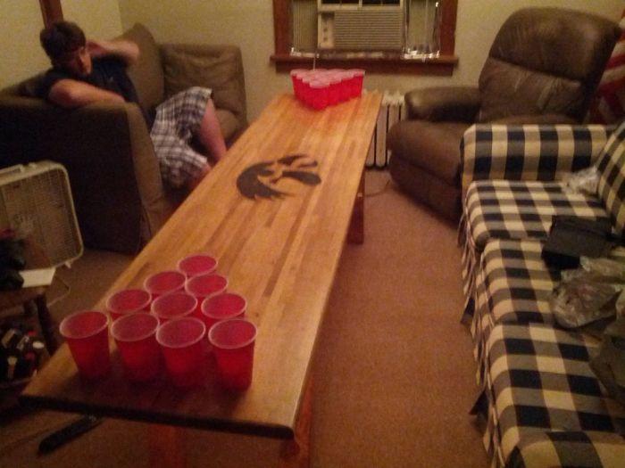 DIY: Beer Pong Table (16 pics)