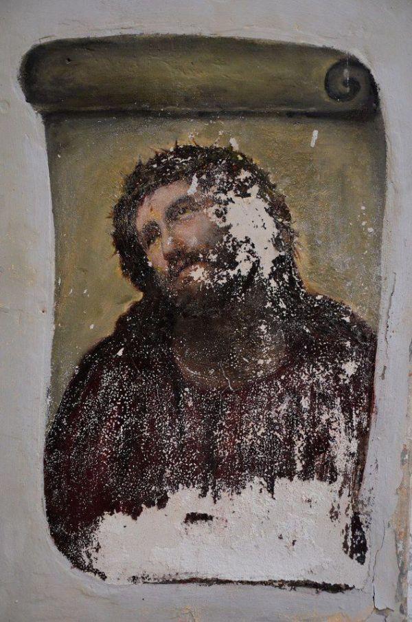 Restoration of Jesus Fresco Fail (3 pics)