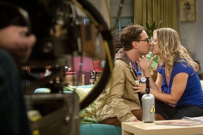 The Big Bang Theory Behind The Scenes 23 Pics