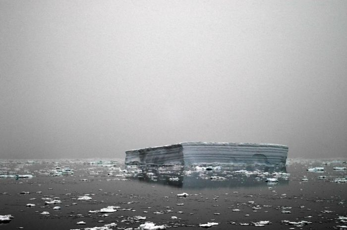 Icebergs by Camille Seaman (49 pics)