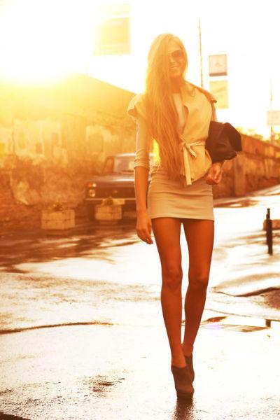 Pretty Girls in Tight Dresses (52 pics)