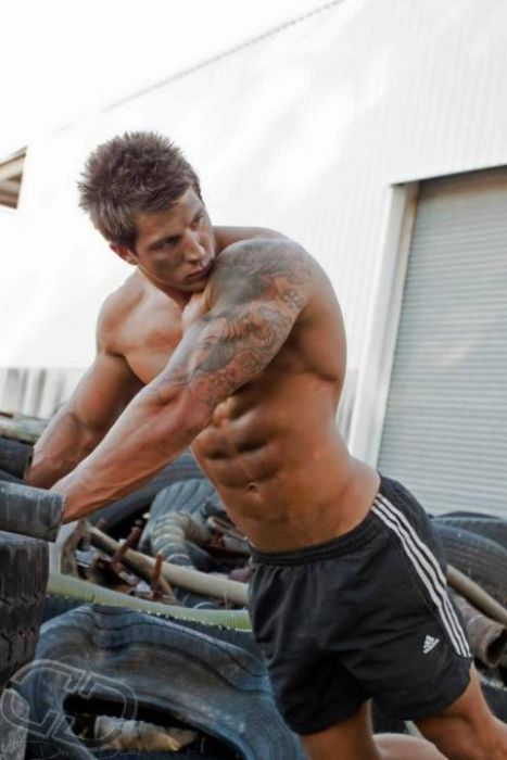 Strong Men (30 pics)