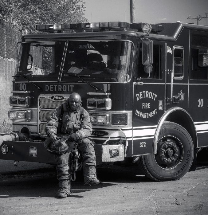 Detroit Firefighters on Duty (25 pics)