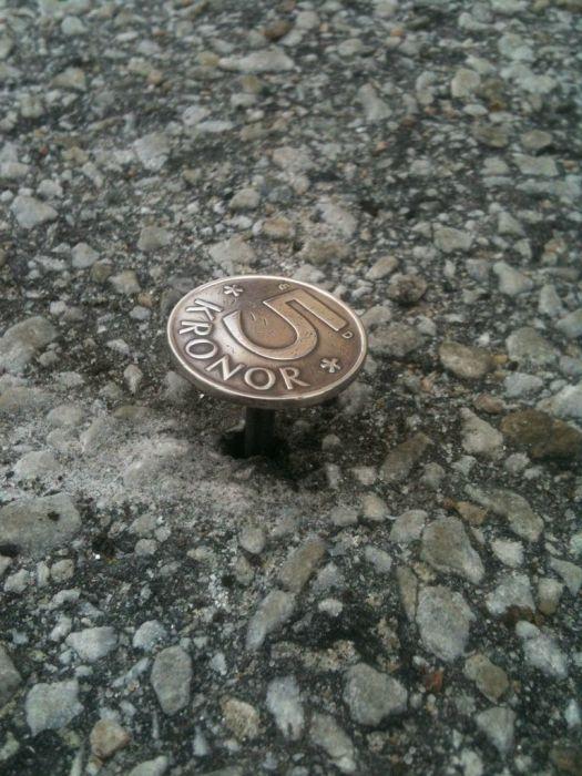 Classic Coin Prank (12 pics)