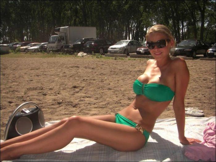 Bikini Girls (43 pics)