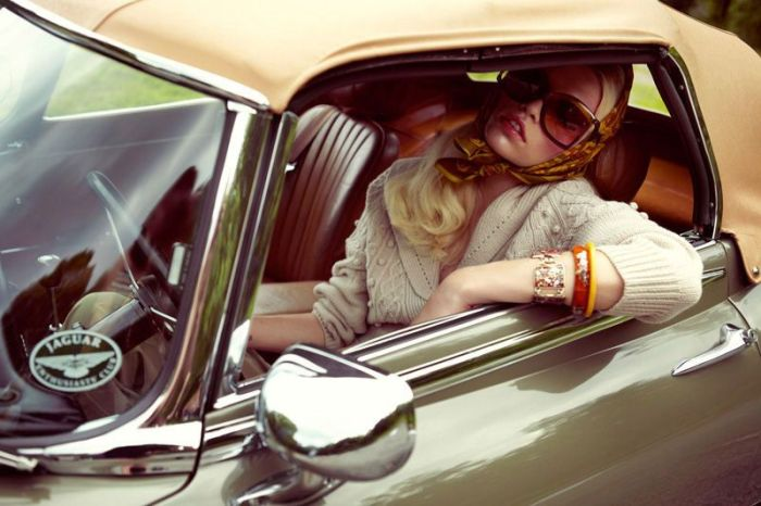 Cute Girls and Vintage Cars (64 pics)