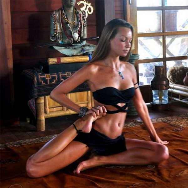 Stretching Girls (56 pics)
