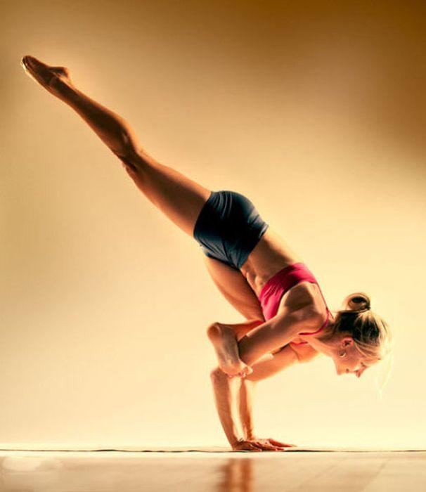 Stretching Girls (56 pics)
