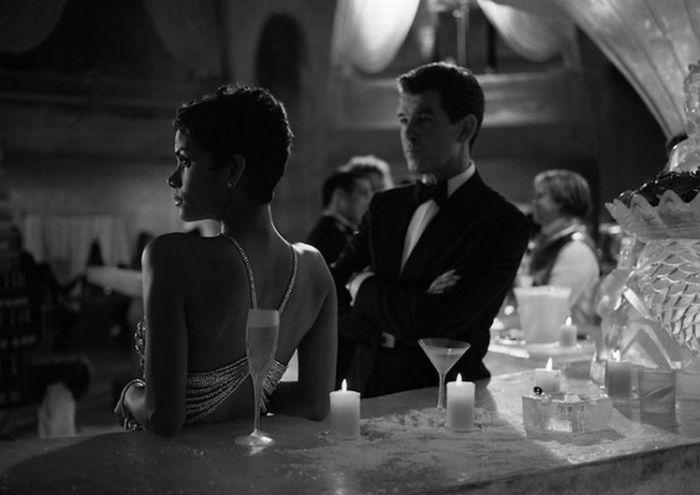 James Bond Behind the Scenes (18 pics)