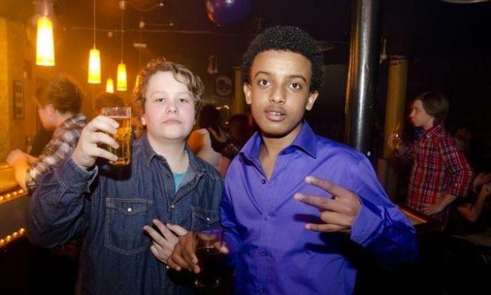 Kids at Night Clubs (29 pics)