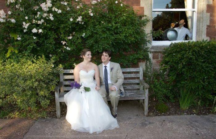 Wedding Photobombs (23 pics)