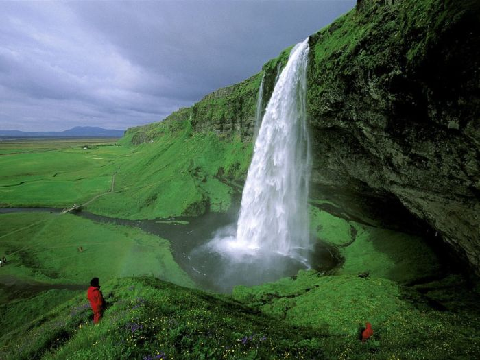 Beautiful Waterfalls (23 pics)