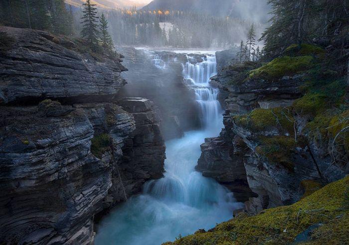 Beautiful Waterfalls (23 pics)