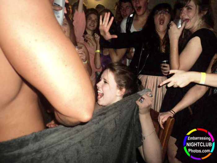 Funny Nightclub Photos (50 pics)