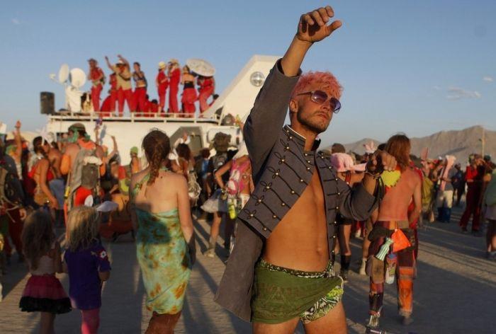 People of Burning Man (26 pics)