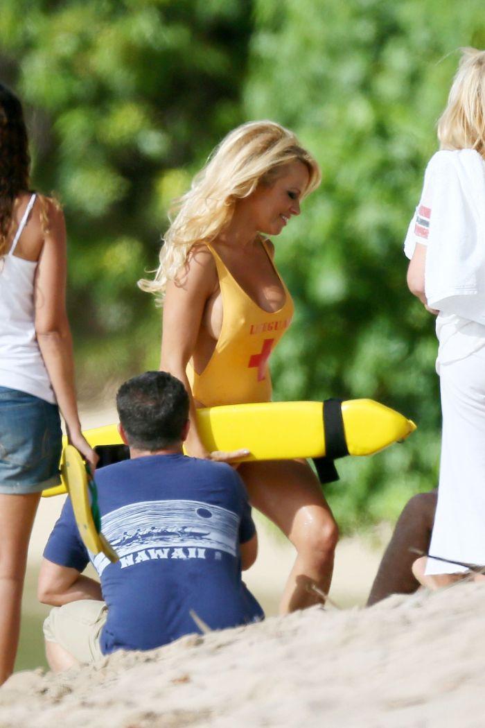 Pamela Anderson in Lifeguard Suit (6 pics)