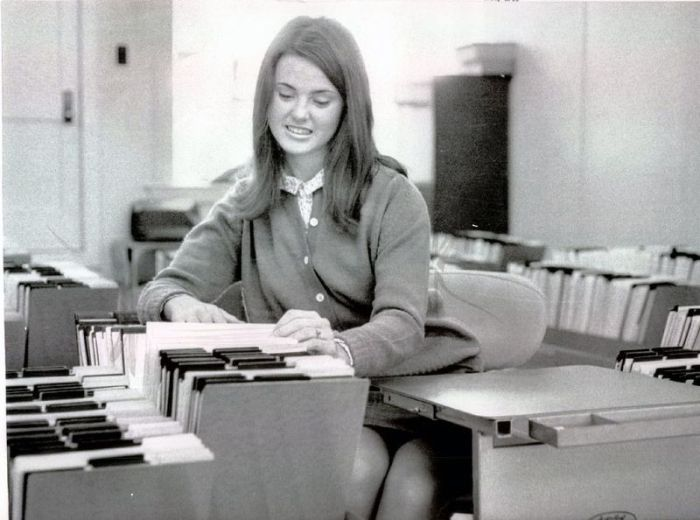 Secretaries of the Past (35 pics)