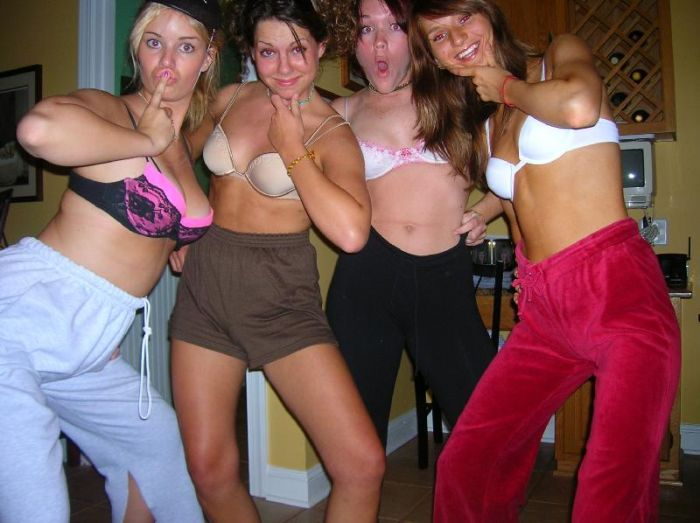Party Girls (49 pics)