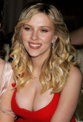 The Hottest Pictures of Scarlett Johansson (50 pics)