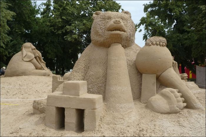 Beautiful Sand Sculptures (33 pics)
