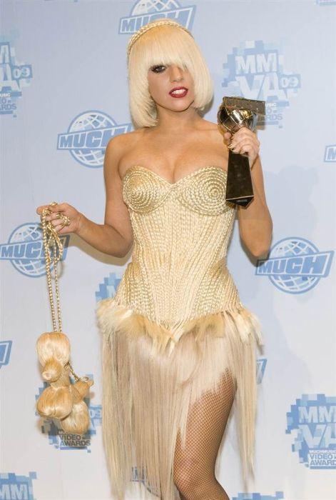 Lady Gaga Haircuts (19 pics)