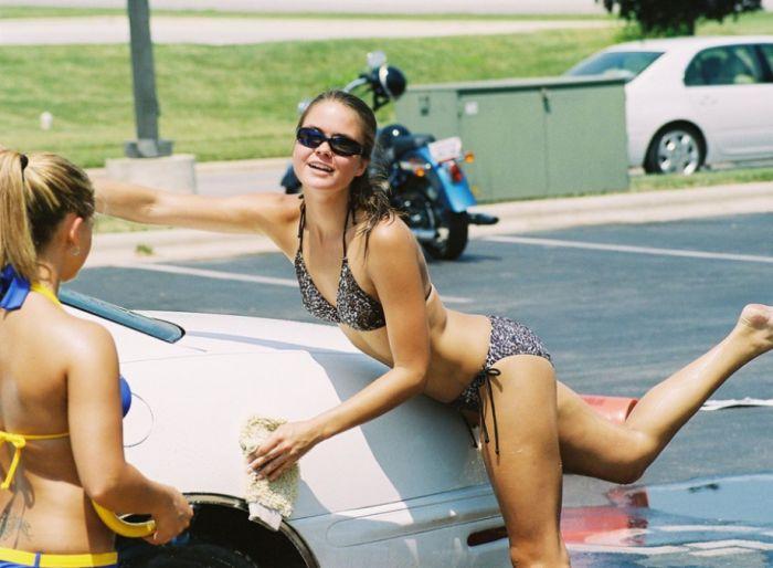 Amateur Bikini Car Wash (40 pics)