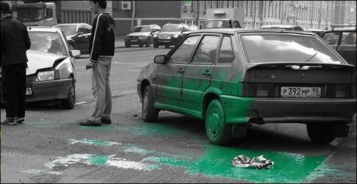 Green Paint Accident (2 pics)