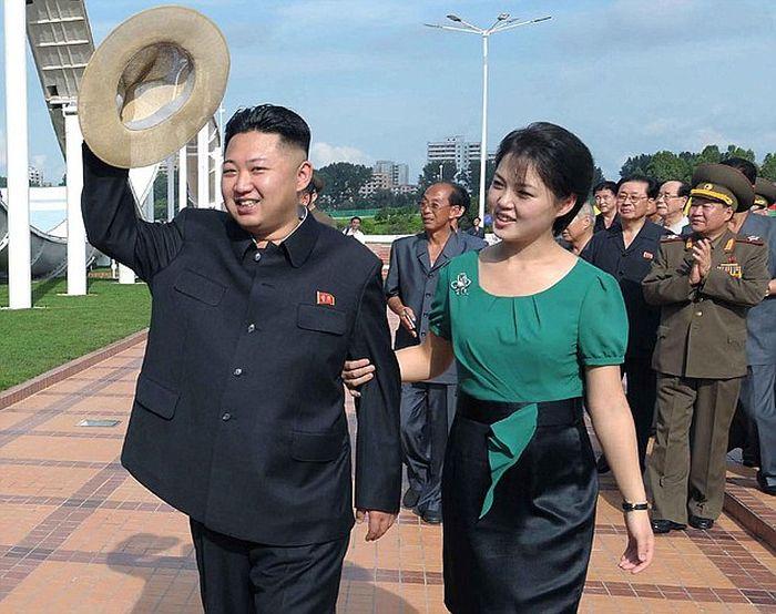 North Korean First Lady Ri Sol Ju (8 pics)