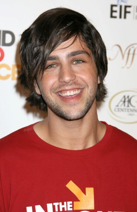 The Transformation Of Josh Peck (16 pics)