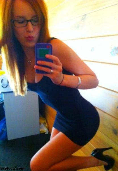 Hot Self-Taken Mirror Pics (52 pics)