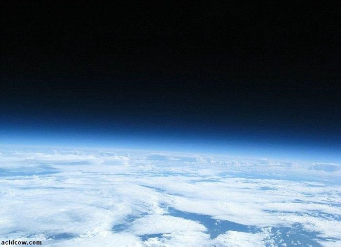 Guy Has Sent His Camera to the Space (10 pics)