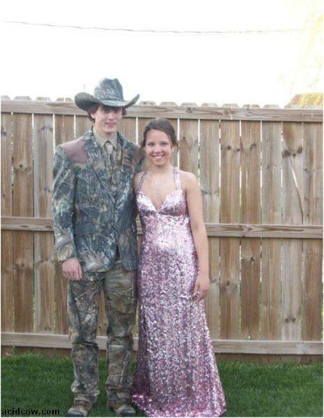 Awkward Couple Photos (34 pics)