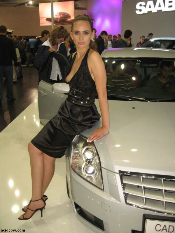 Motor Show Girl (5 pics)