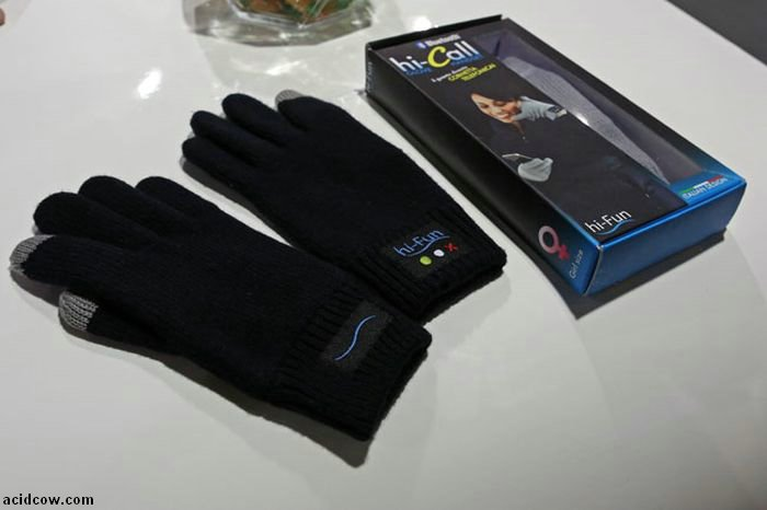 Hi-Call Bluetooth Gloves (10 pics)