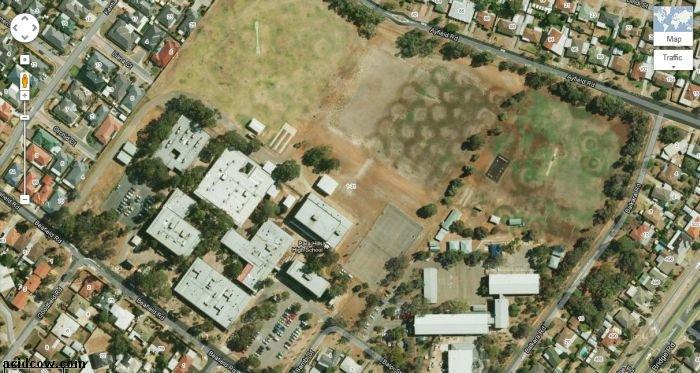 Para Hills High School in Adelaide, Australia (5 pics)