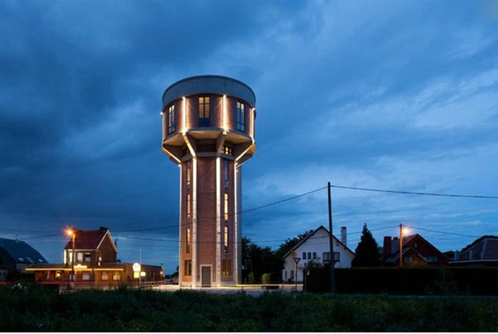 Awesome Home Inside an Old Water Tower (14 pics)