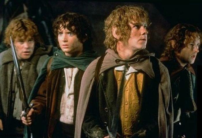 Hobbit Birthday Party (2 pics)