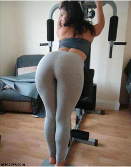 More Girls in Yoga Pants (50 pics)