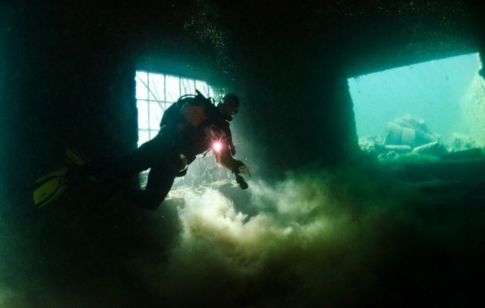 Abandoned Prison Under Water (54 pics)