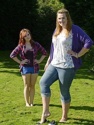Teen Girl with Giant Feet (14 pics)