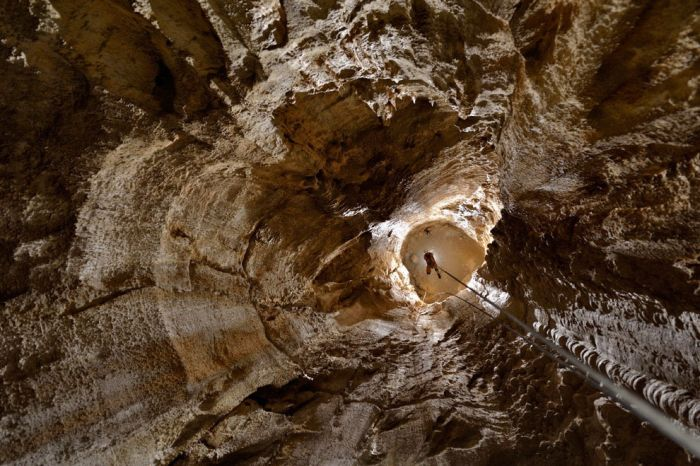 Gufr Berger, One of the Deepest Caves in the World (9 pics)