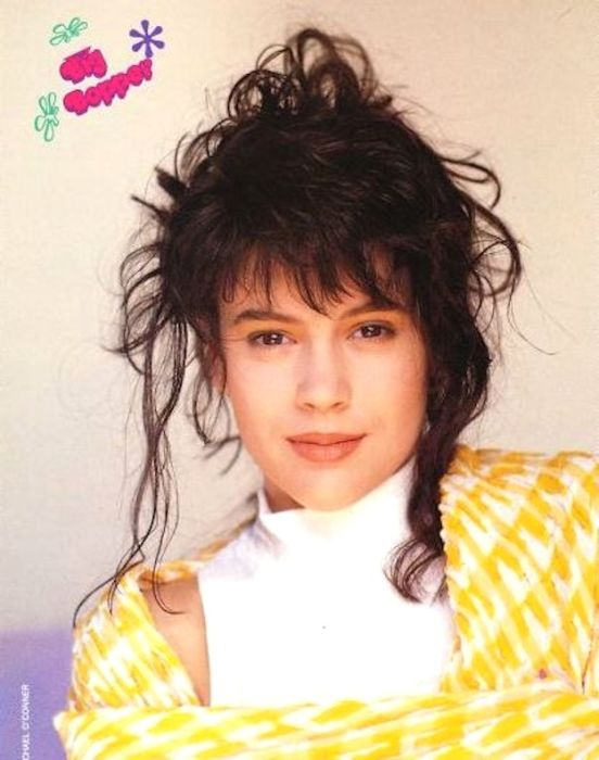 Alyssa Milano in the '90s (44 pics)