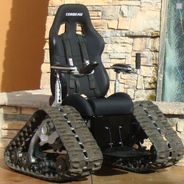 The Tank Chair (14 pics)