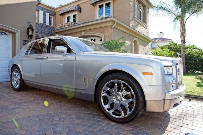 The Cars of Three 6 Mafia (8 pics)