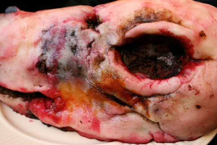 Disgusting Cakes (11 pics)