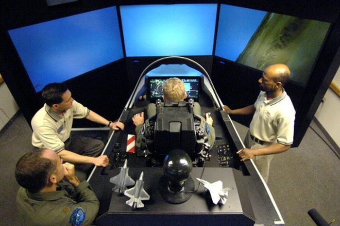 F-35 Flight Simulators (27 pics)