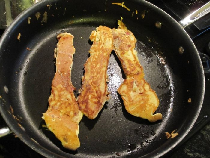 Pancake Covered Bacon (9 pics)